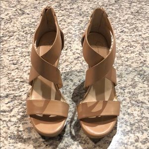 JESSICA SIMPSON TAN WEDGES SIZE 7